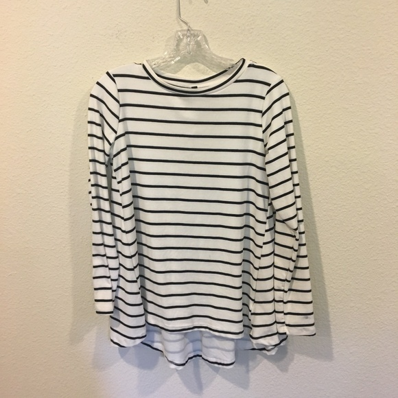 bobeau Tops - NWT Bobeau black and white striped long sleeve top